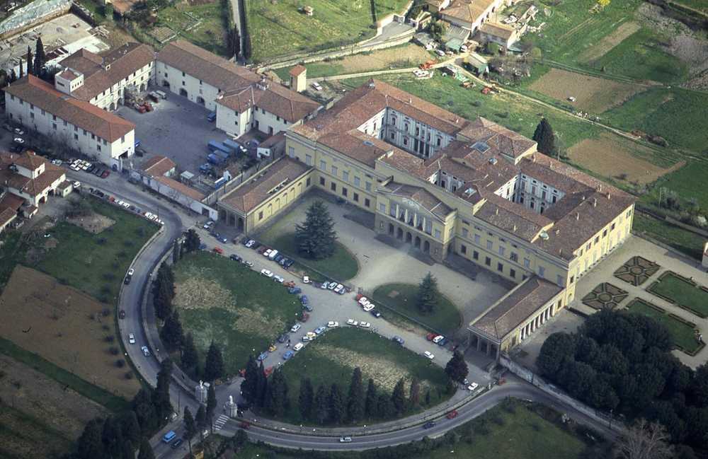 Villa di Poggio Imperiale 2.jpg -