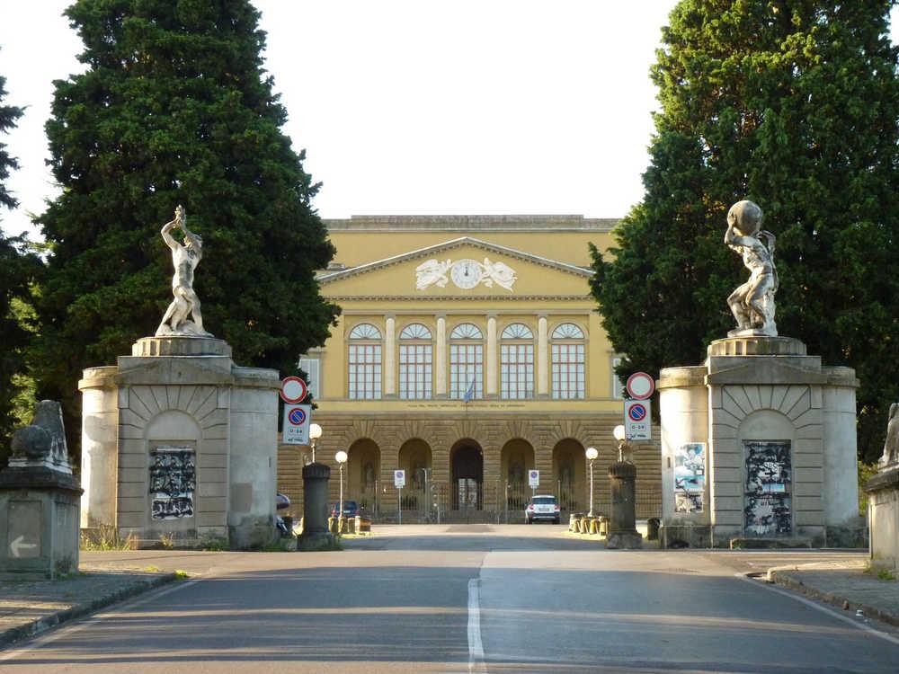 Villa di Poggio Imperiale 3.jpg -